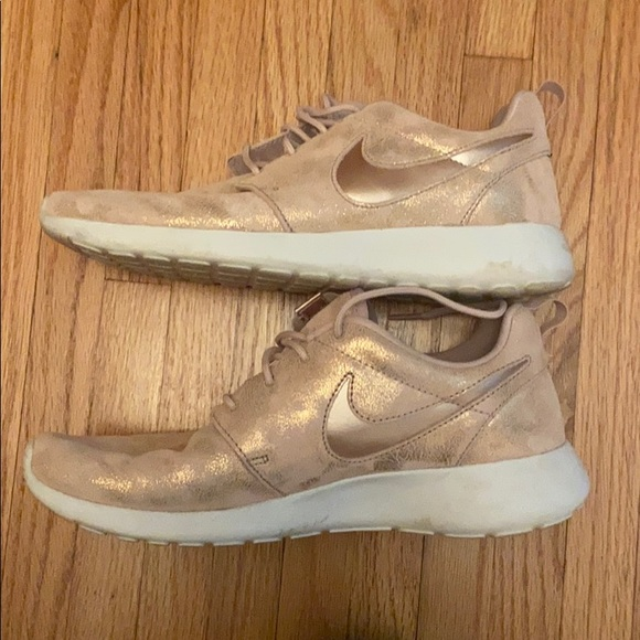 Nike Shoes   Rose Gold And Pink Sparkle